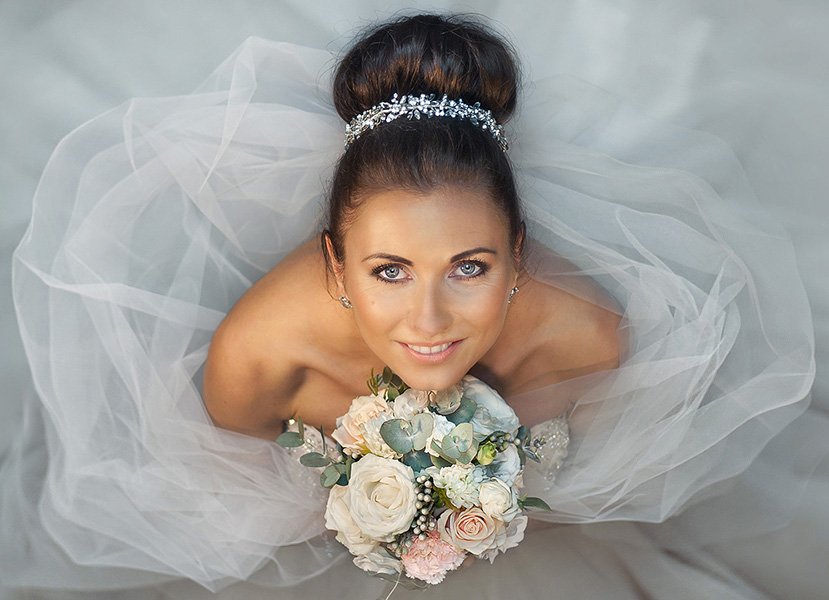 Wedding photographer and the portrait of the bride