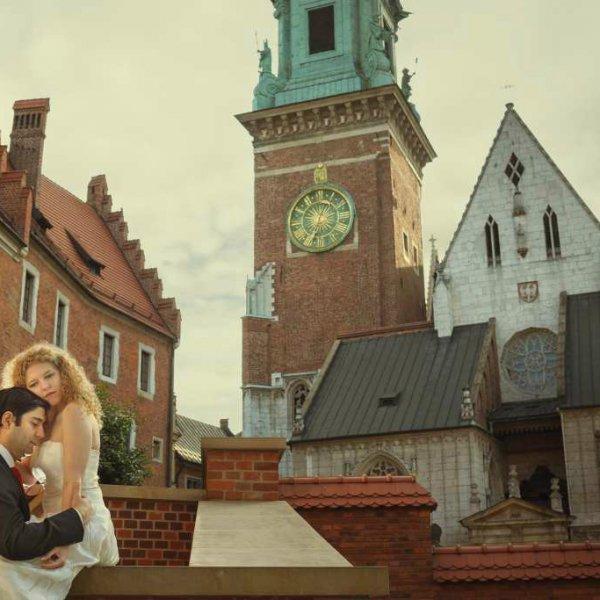 Fotografia ślubna w Krakowie – propozycje miejsc na sesję plenerową